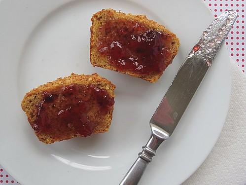 PB Muffins gluten-free