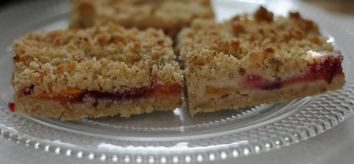 peach and raspberry shortbread