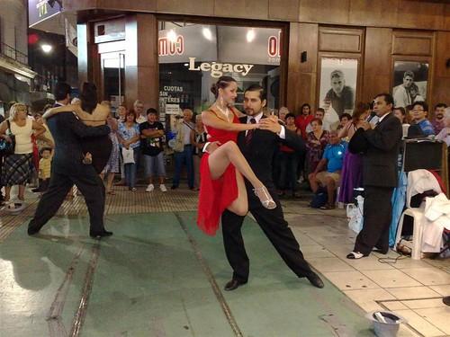 Apresentação de tango na Calle Florida.