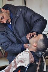 Fez. The Barber (Juan C. Garca Lorenzo) Tags: africa travel man nikon northafrica morocco arab fez barber maroc marruecos fs almaghrib nikond90