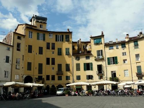 Piazza Anfiteatro - Lucca, Itália