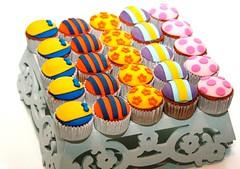 Cupcakes dos Backyardigans! (www.donagenu.com.br) Tags: cake cupcake bolo doce pirulito backyardigans