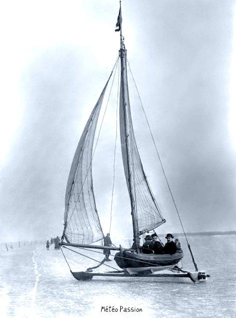 yachting sur la Zuiderzee gelée aux Pays-bas le 27 janvier 1914