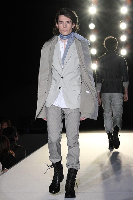 SS11_Tokyo_LANVIN en Bleu002(Fashionsnap)