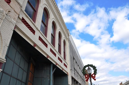 Downtown building & wreath