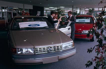 1989 Ford NA Fairlane Press Photo
