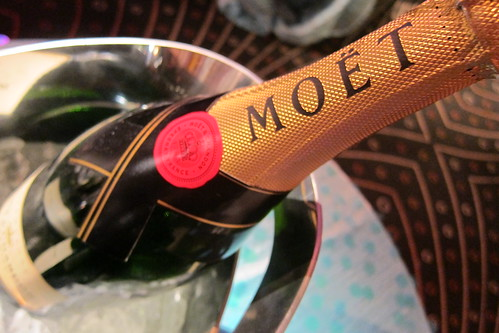 2011 Oscar Food: Moet & Chandon Champagne