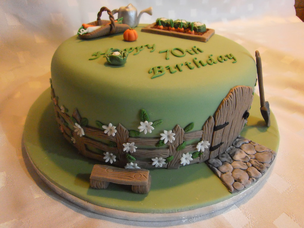 Cute  S Theme Birthday Cake
