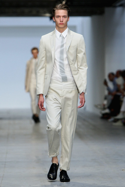 Linus Gustin3096_SS11_Milan_Costume National(Coutorture com)