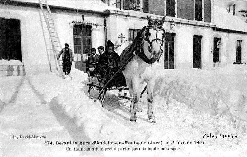traîneau dans la neige en gare d'Andelot le 2 février 1907