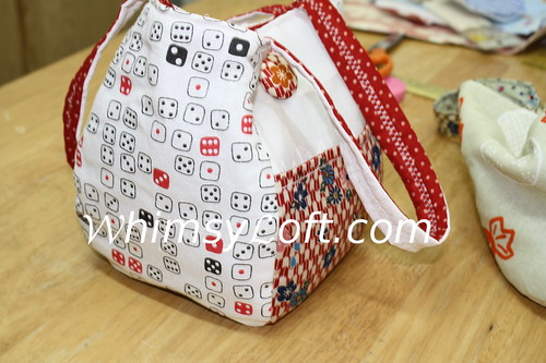 Rounded bottom Japanese tenugui bag {DICE}
