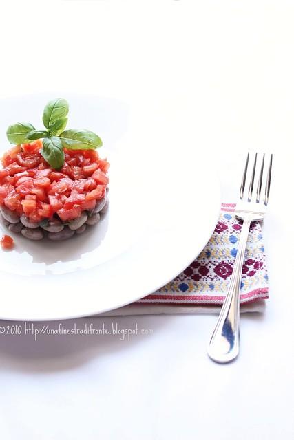 Tartare di fagioli e pomodori