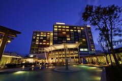 Chateau de Chine Hualien  (olvwu | ) Tags: longexposure blue light party sky abstract fountain pool night hotel evening colorful dusk taiwan resort hualien  jungpangwu oliverwu oliverjpwu  hualiencity olvwu hualiencounty jun