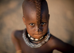 Himba twin in Okopale - Namibia (Eric Lafforgue) Tags: africa boy people haircut hair kid child african culture tribal safari afrika tribe ethnic namibia tribo himba angola afrique namibian ethnology plait tribu nomadic namibie haicut kaokoland tribus namibe bantou namibi namiibia ethnie 0688 pastoralpeople himbas cuene kuene     namibya namibio    bantoue thnicgroup