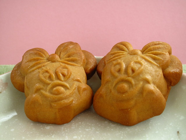 IMG_2372  Minnie Biscuit for Mid-autumn Festival - 2010