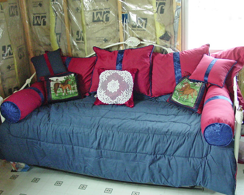 Hillbilly Hill - Cabin Livingroom