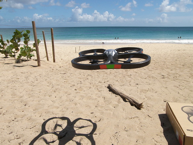AR Drone con iPhone playa