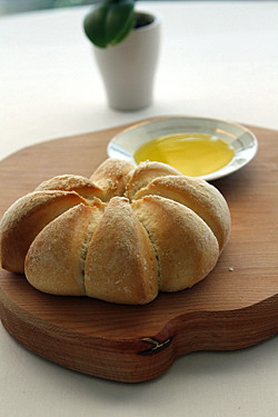 Mirazur Bread