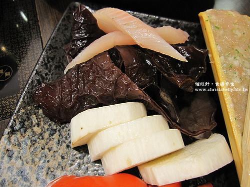 土方鍋之助膠原蛋白鍋菜色