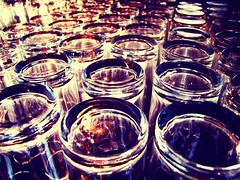 Glasses (C_MC_FL) Tags: macro lines closeup photography glasses pattern fotografie pov row repetition fujifilm makro muster repeating glser softtones reihe wiederholung makroaufnahmen s100fs