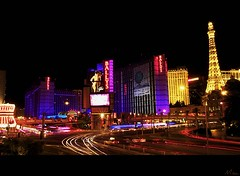 Leaving Las Vegas (Misael Lacasta) Tags: light usa luz night america noche neon lasvegas nevada casino roulette cartas juego luce dinero carte gioco eeuu ruleta lacasta soldi corrupcion misael misaellacasta