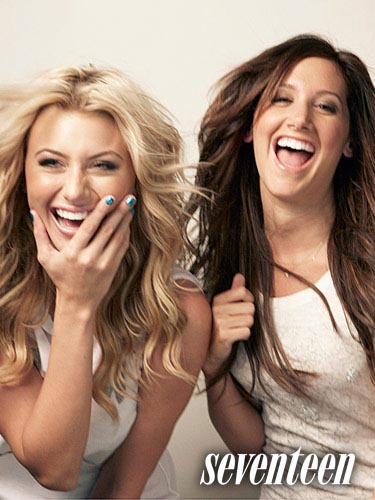 Ashley-Tisdale-Aly-Michalka-4