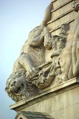 St Georges Bloomsbury 3 (St. Luke's Sculptors) Tags: lion stgeorges bloomsbury unicorn hawksmoor halicarnassus