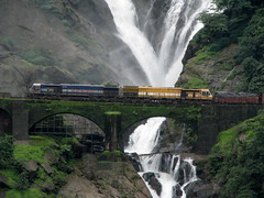 Passing under the Dudhsagar (Jay fotografia) Tags: railroad india goa waterfalls indianrailways dudhsagar irfca southwesternrailway