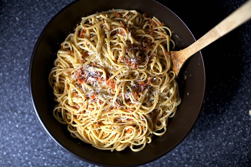 linguine with tomato almond pesto