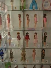 Museo del Juguete Antiguo (Mujam) - Antique Toy Museum Mexico (Alberto.Gar) Tags: alan del vintage ken barbie years museo lili antiguo seorita juguete exposicion midge mueca ledi mujam