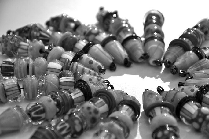 bang gal beads black and white