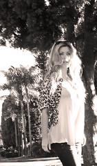 knotted leopard print blouse+black and white+peach (...love Maegan) Tags: miguelina rebelwithoutacause leopardprintblouse tomfordsunglasses leopardblouse nudeheels paigepremiumjeans boutique9shoes peachtankblouse louisvuittonazurnoebag