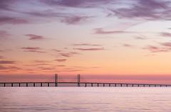 000372 (Werner Nystrand) Tags: bridge sunset sea water evening twilight sweden sverige bro malm vatten hav solnedgng resund resundsbron skymning oresundbridge colorimage kvll frgbild