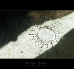 Mi fregadero 2/2 (Ana Lpez Heredia) Tags: macro luz water agua shadows sombra bamboo cocina gota wacom sombras texturas pentablet bodegon konicaminolta instantes dimagez5 delicadeza fregadero konicaminoltadimagez5 bamboowacom arquitecturaefmera analpezheredia
