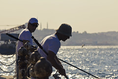 Fisherman friends (William Veder) Tags: istanbul 2010 kulturhauptstadt avrupakltrbakenti axisofgood