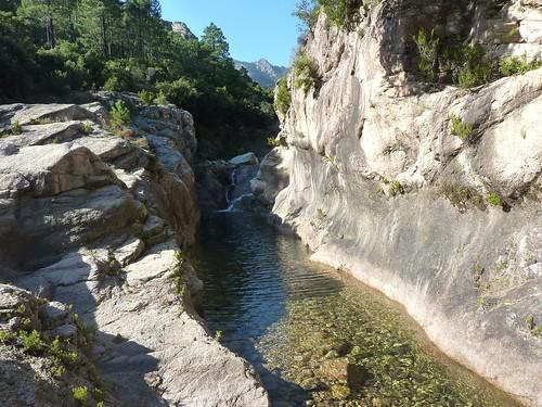 Entre la vasque initiale du Finicione et la confluence Quercitella : vasque-boyau