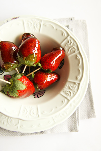 balsamic_toffee_strawberries-6