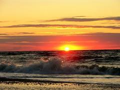 waves (Darren-) Tags: ocean light sunset sea usa ny newyork beach nature water nikon waves longisland northfork