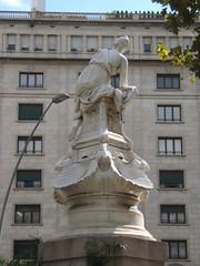 Gran Via de les Corts Catalanes (Francis Lenn) Tags: fountain fuente diana font fontdediana