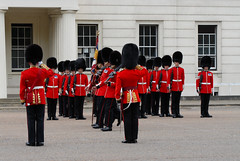 Img0041053pp (veryamateurish) Tags: london army military british changingoftheguard royalguards grenadierguards guardsdivision footguards householddivision changingtheguard wellingtonbarracks guardmounting