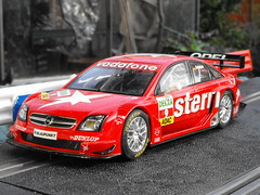 Opel Vectra (Mk.2) (4) (Andy Reeve-Smith) Tags: opel scalextric vectra gtsv8