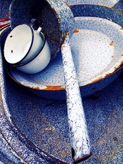 Spackled Graniteware (scilit) Tags: stilllife vintage nostalgia cups plates potsandpans blueandwhite blueribbonwinner campinggear bluecomposition rustanddecay colorphotoaward rubyphotographer primavera2010 1001nightsmagiccity ringexcellence extraordinarilyimpressive spackledgraniteware metaldishes