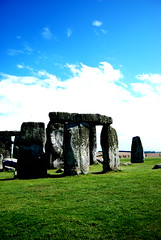 Summer.Stonehenge (boonkit) Tags: uk blue summer sky green heritage grass unitedkingdom bluesky stonehenge unescoworldheritage greenglass 巨石阵