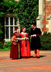 Tudor Life at Kentwell Hall 1538, August 2010, Suffolk, England (Niko S90) Tags: costumes longmelford england history canon hall costume suffolk tudor historic historical recreation reenactment kentwellhall 16thcentury livinghistory historicalreenactment kentwell tudors tissy 1538 historiccostumes tudorrecreation tudortimes historicalreenactments historicalrecreation tudorreenactment tudorlife tudorliferecreation tudorcostumes tudorhistory lifeintudortimes tudorlifeatkentwellhall historicallife kentwell2010