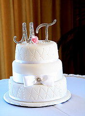 Weddin Cake (Muffin Cup) Tags: pink wedding white cup rose cake crystals bow patchwork muffin monograms