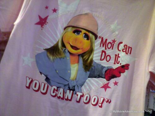 030720102664-WDW-EPCOT-Miss-Piggy-tshirt