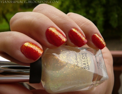OPI - Color So Hot it Berns + Sally Hansen - Hidden Treasure #3