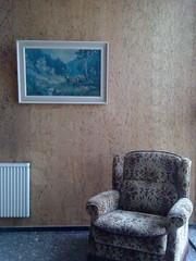 Hirsch (jpk.) Tags: hirsch sessel heizung flur glasbausteine ©janphilipkopka märz 2010 treppenhaus
