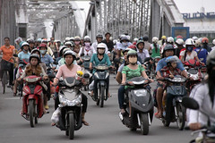 Bridge Traffic (MykReeve) Tags: bridge people bike traffic bikes vietnam motorbike motorbikes hue indochina trangtienbridge hu trngtinbridge