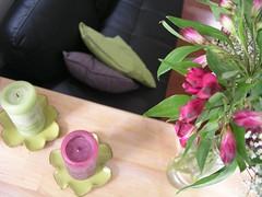 Envie de mauve et de vert... (Lhise) Tags: flower fleur candle bouquet alstroemeria bougie showyourhouse gypsophile